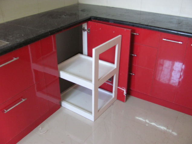 A unit to store a handy movable trolley